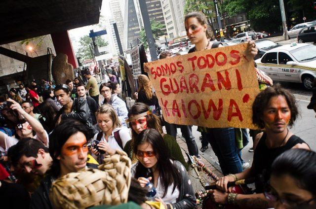 manifestation de soutien au peuple guarani kaiowa