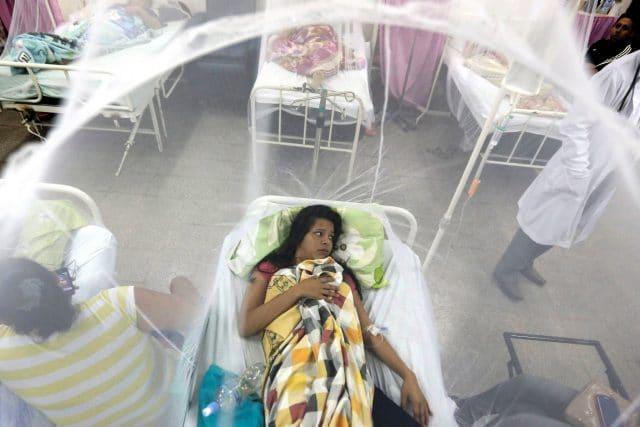 Femme atteinte de la Dengue au Paraguay