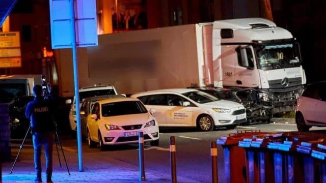 camion accidenté attentat voiture bélier